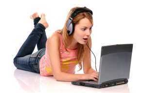 Girl_With_Laptop_1340036